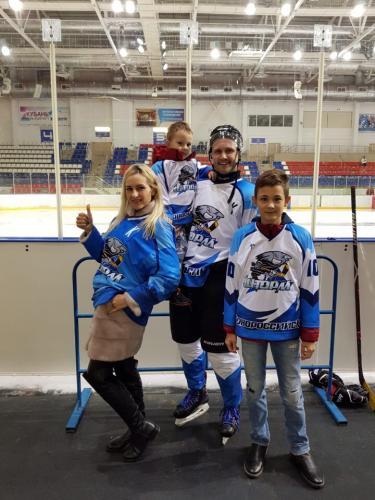 Виталий Паршин со своей семьей
