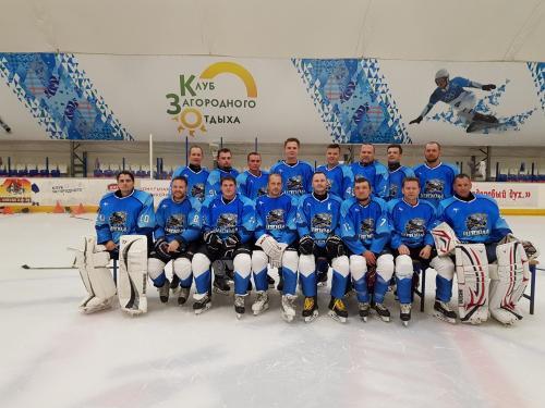 Командное фото перед началом сезона в Ночной Хоккейной Лиги 2018 / 2019